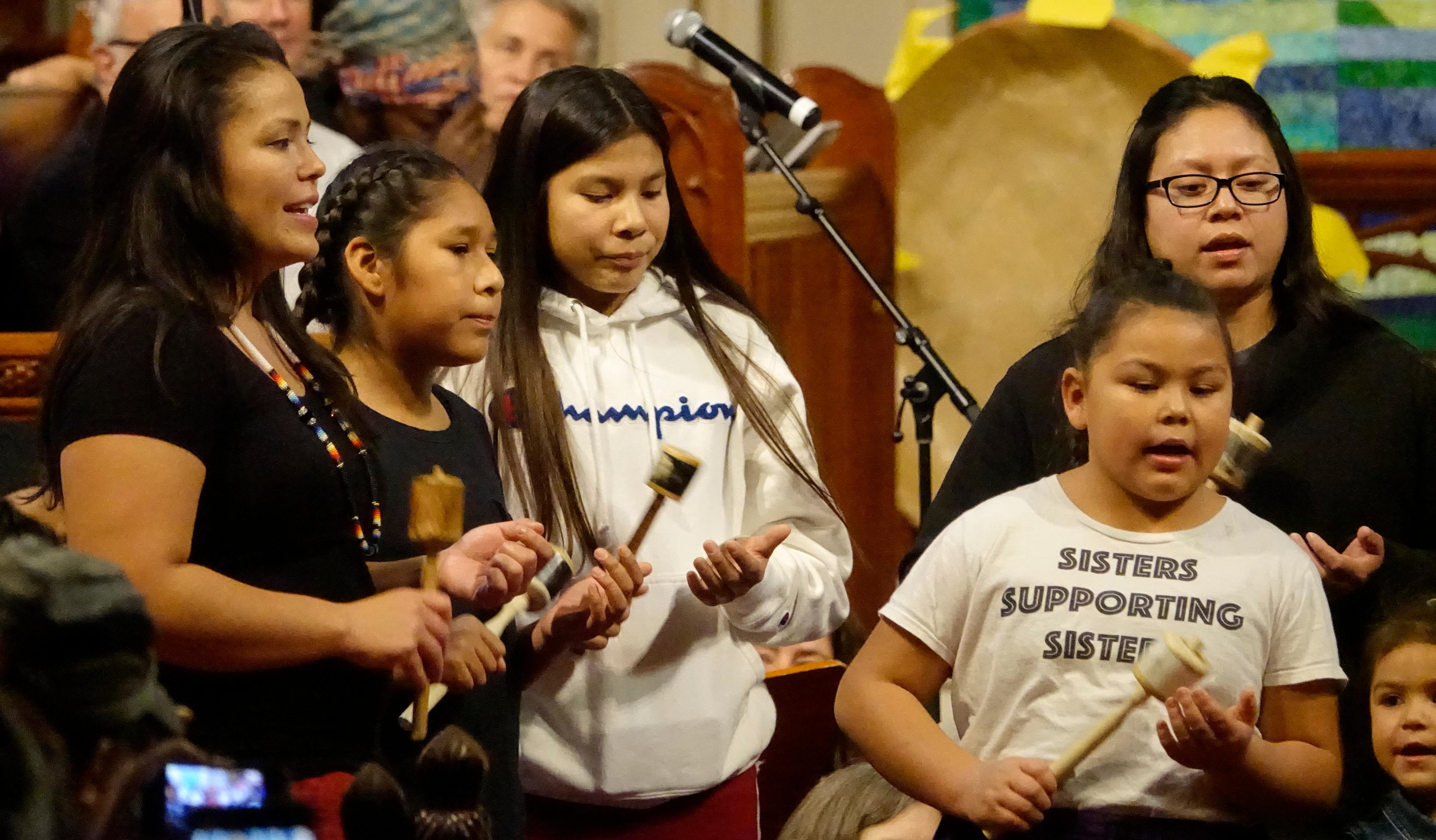 Young Haudenosaunee singers